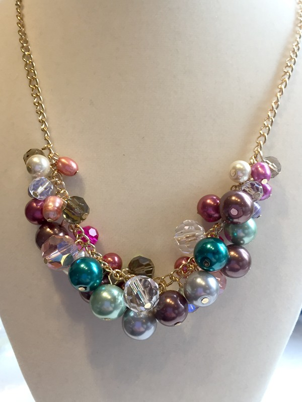 Facet-box-1-bubbles-necklace